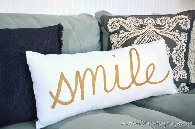 gold-painted_pillow