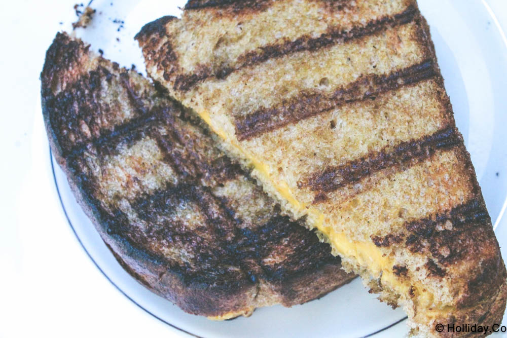 grilled cheese on the grill, grilled cheese, the holliday collective, holliday.co, grill, grilling